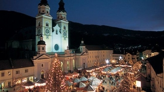 Zum Weihnachtsmarkt nach Brixen