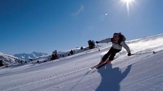 Sun skiing days in January